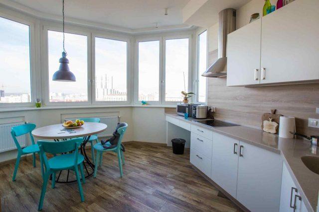 Cambiare volto alla vostra cucina, serramenti total white…